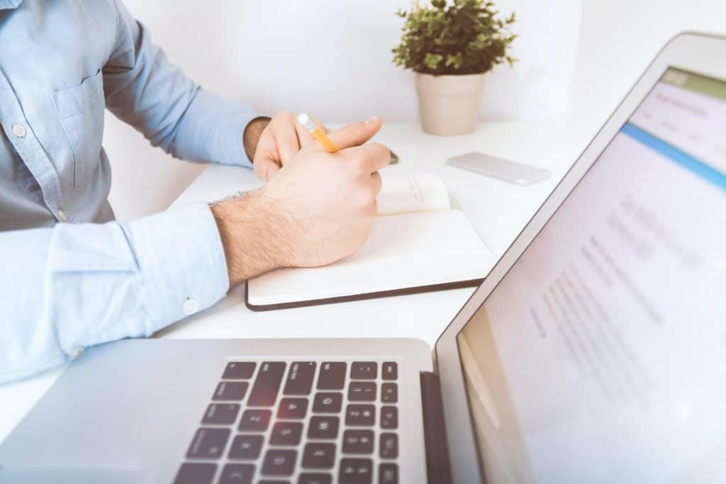Consulta con el endocrino de forma rápida por email